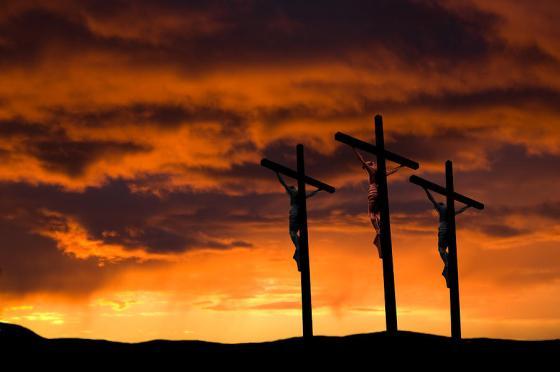good-friday--three-crosses-wwing